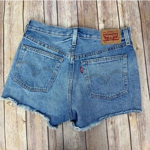 LEVI'S 501 Cutoff Denim Shorts Light-wash Size 27